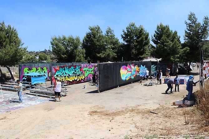 what is a graffiti artist