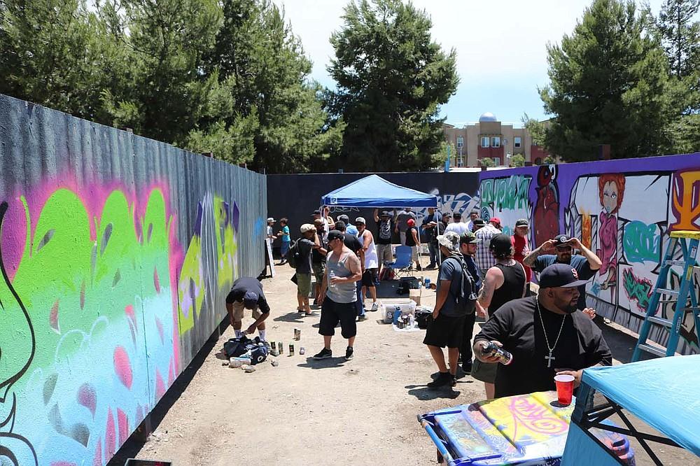 TMK, UWK, RTS, SKA, BSD, TCR, HEM, WST, KOS, GI, TV, SADK, TCF, AOC, AEK, KTK, SDV were some of the graffiti crews present.