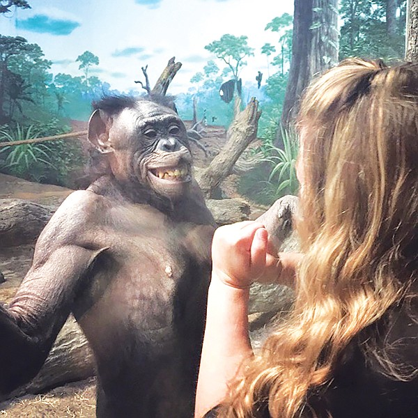 Lana and Sauer in Cincinnati. Sauer took along a photo of a San Diego Zoo member who had been devoted to Lana for many years.