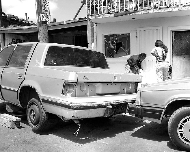 Many tijuanenses abandon their cars rather than pay traffic fines and towing fees.