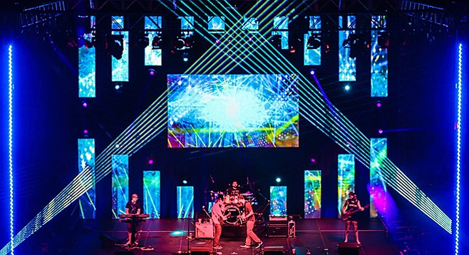 """We'll be be bringing our full arena lighting rig"" to Winstons July 22."