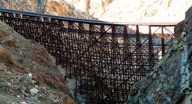 get close but not too close to carrizo gorge trestle