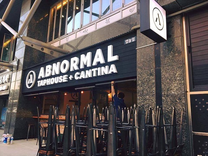Abnormal's Taphouse + Cantina in Busan serves beer and San Diego-style street tacos.
