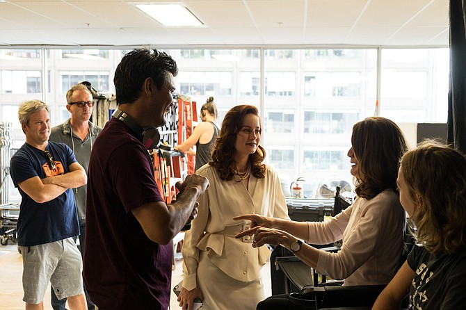 Producer Gil Netter, director Destin Daniel Cretton, Brie Larson, and author Jeannette Walls on the set of The Glass Castle.
