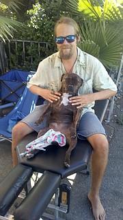 Perro en la meditación en la Playa de Ocean beach mercado de agricultores - San Diego Reader 1