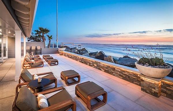"A ""spectacular oceanfront estate"""