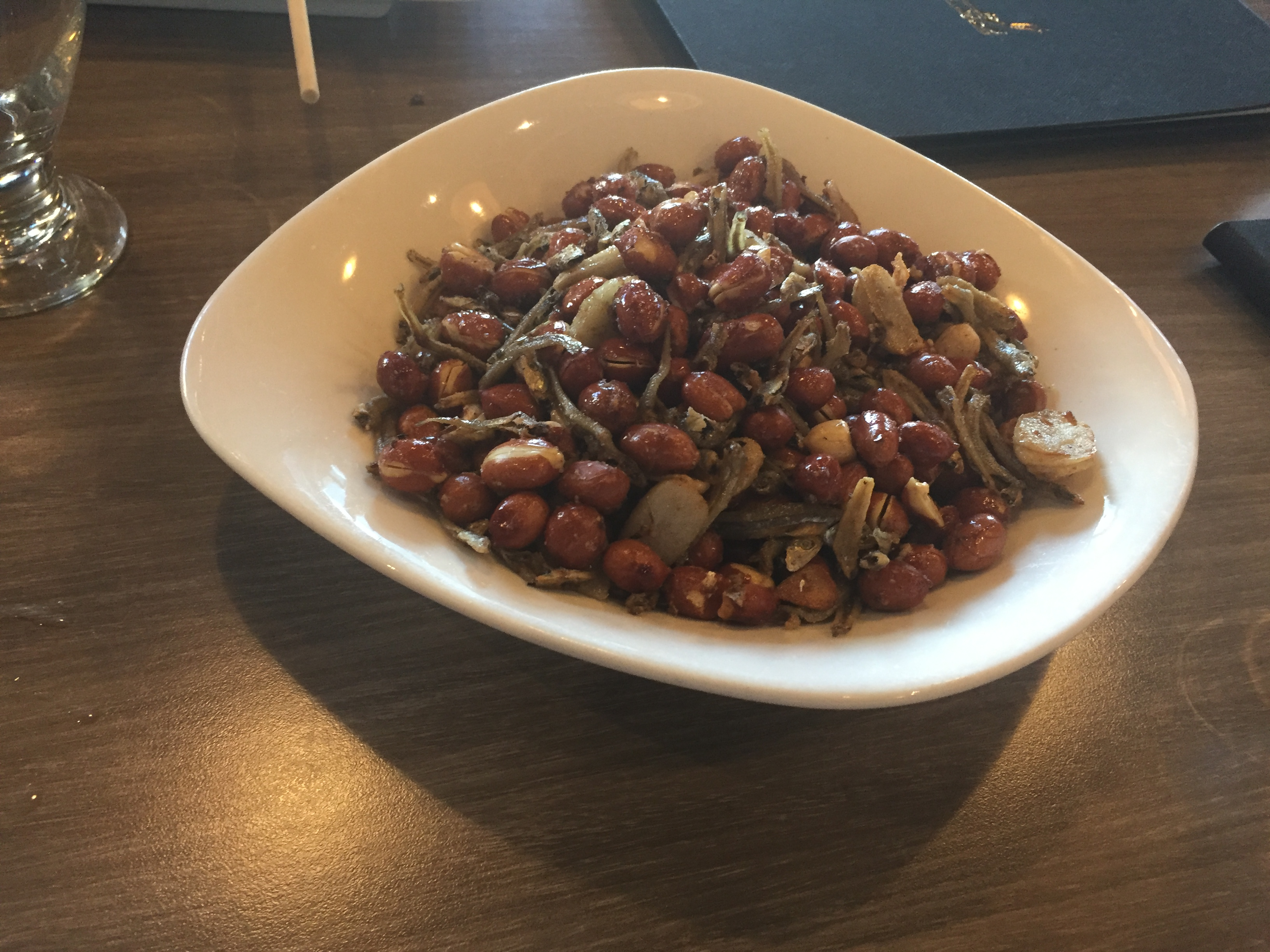 Fried peanuts and anchovies