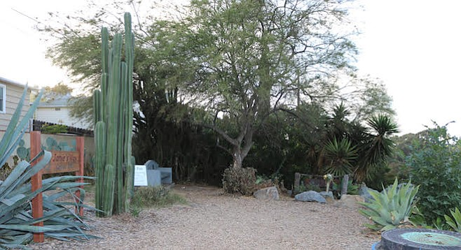 Manzanita Canyon trailhead, site of Sonny Gonzalez's murder