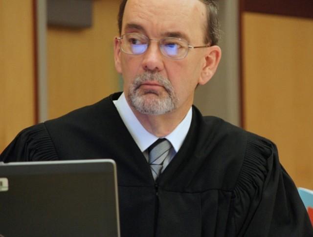 Judge Kirkman told the jury to finish their paperwork. Photo by Eva.