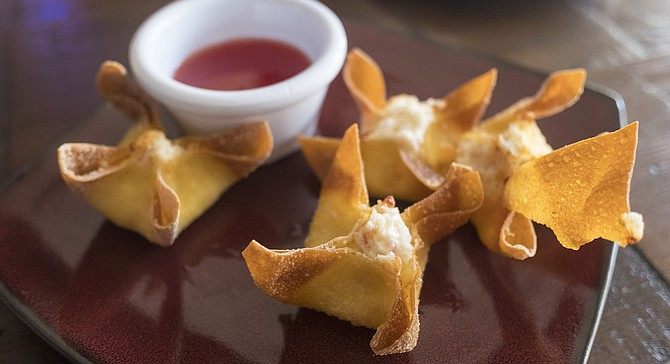 Cream cheese and crab wontons