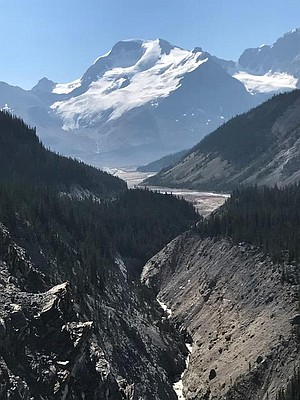Another panorama from the Icefields Parkway.