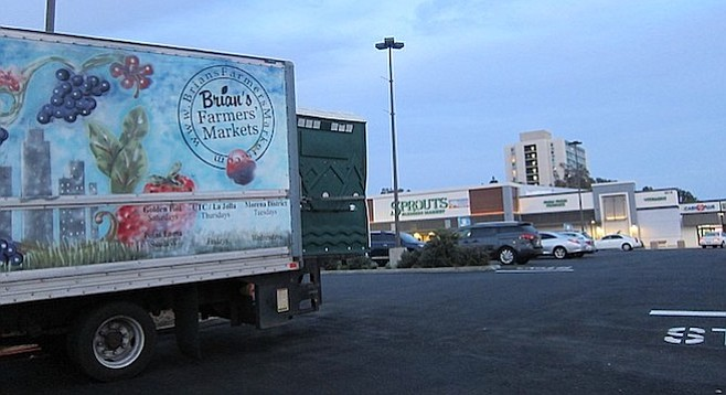 The farmers' market had its last day in the Sprouts parking lot on October 19.