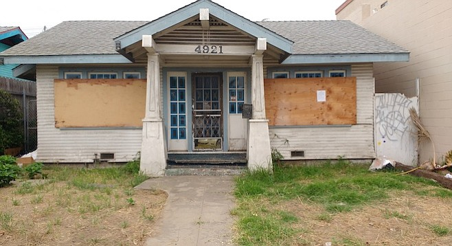 """""""No sawing required"""" for the construction of the house at 4921 Voltaire Street"""