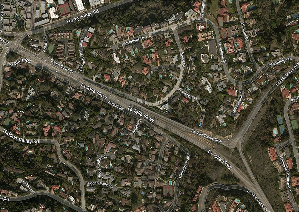 Residential Ardath Road is next to and parallel to La Jolla Parkway.