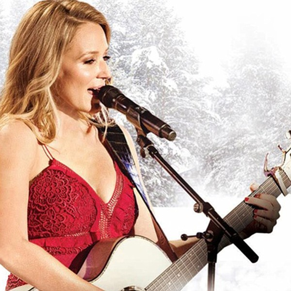 Jewel brings her family and a craft fair to the Civic Theatre