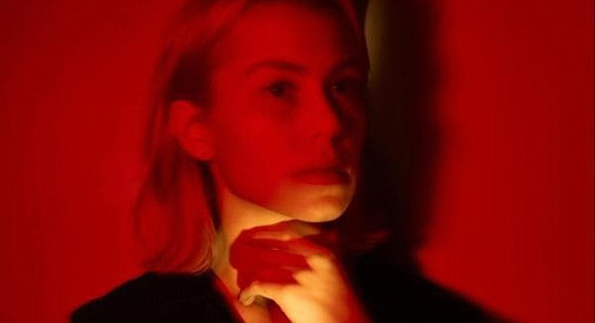 Phoebe Bridgers, a combination of froth and melancholy