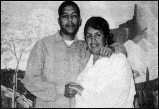 Weaver with his mother at San Quentin