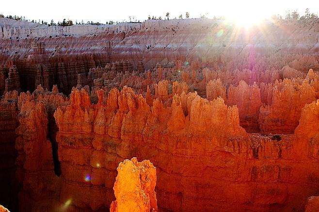 Sun setting on Bryce Canyon.