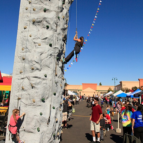 Santee hosts a health-and-fitness expo