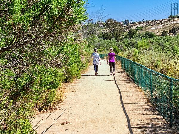 The La Costa Glen Trail is a broad decomposed-granite path.