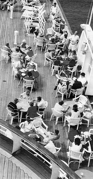 Independence sun deck