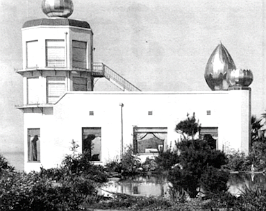 Yogananda's temple, 1940. Naval authorities forced the Fellowship members to cover the golden domes with white cloth, to foil Japanese bombers.