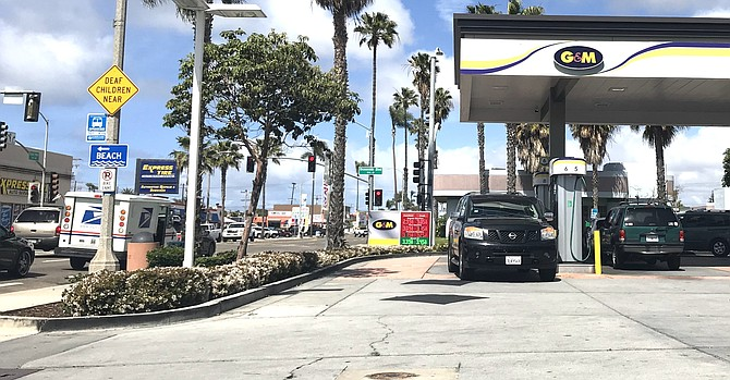 Gas station on corner of Oceanside Blvd and Coast Hwy. Photo by Eva