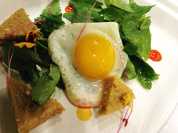 Quail egg with acorn quakes