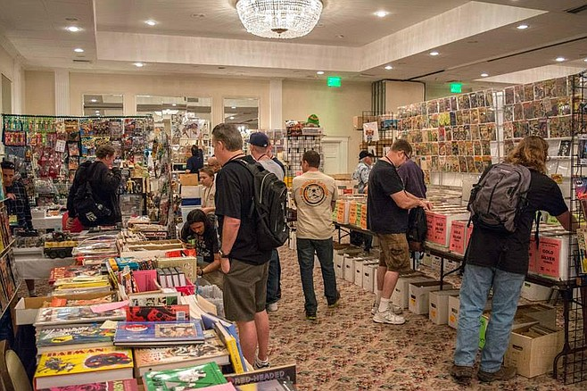 Le Chanticleer Room was packed with art displays, steampunk concoctions, live musicians, and about 50 vendors, comic fans, artists, and customers.