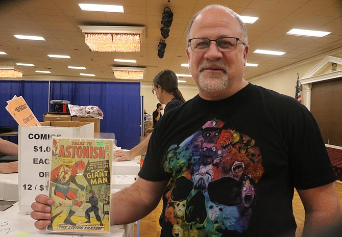 Andy from Empire Collectibles had his booth right at the entrance.