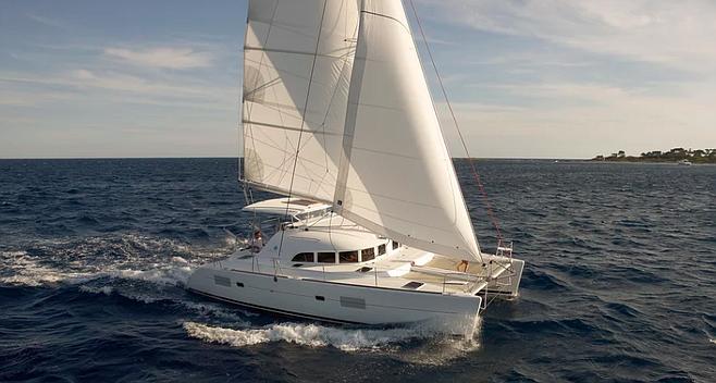 Lagoon 380. Want to sail from Tahiti to Australia?