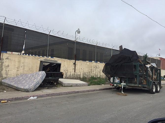 Illegal Dumping in South Bay (Photo by Barbara Zaragoza)