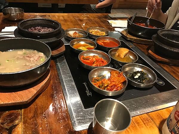 Seolleongtang, ox bone soup