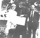 Graduation with prouid parents