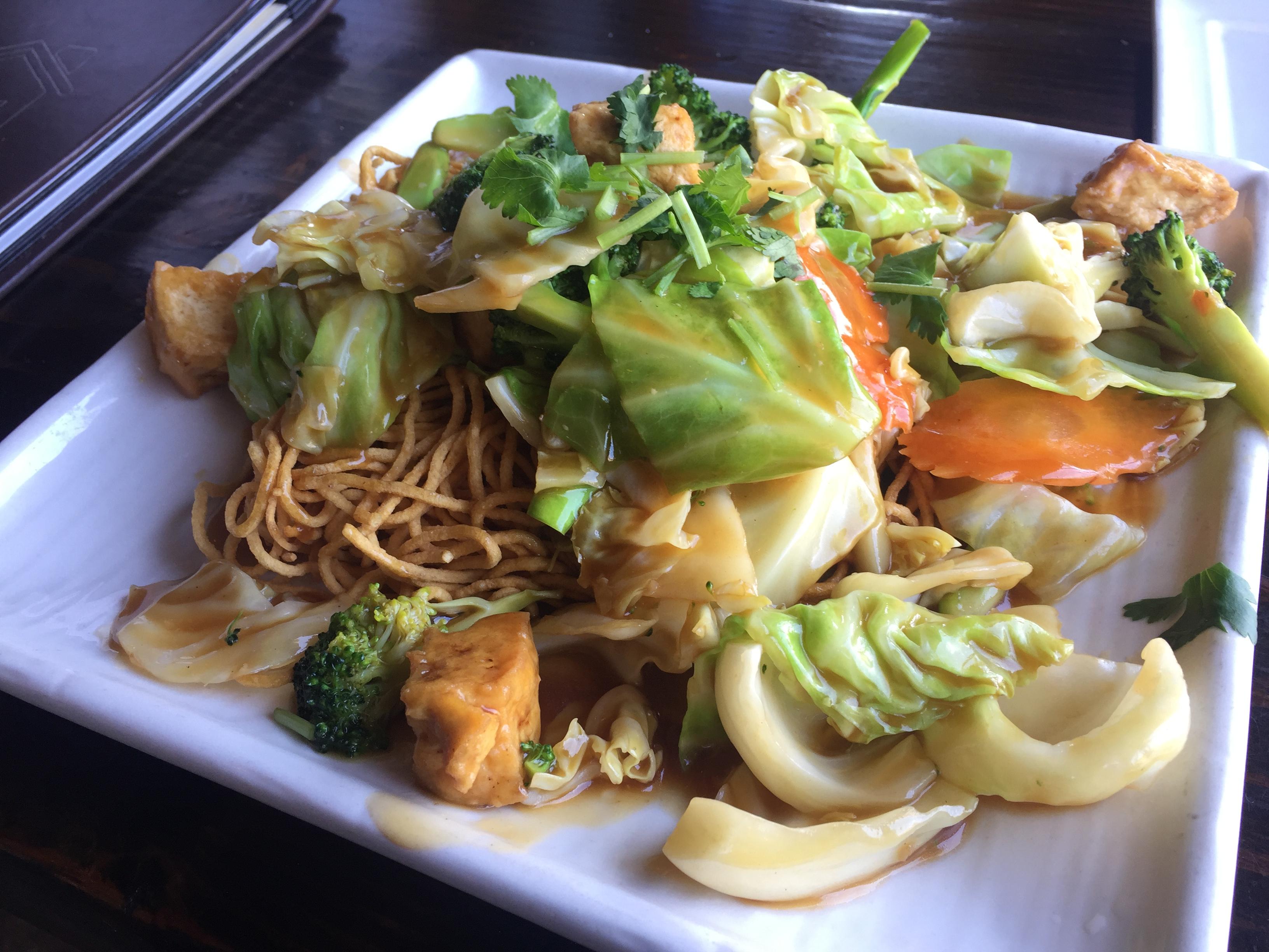 Tofu and veggie Crispy Noodles