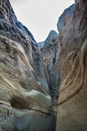 The slot canyon trail narrows