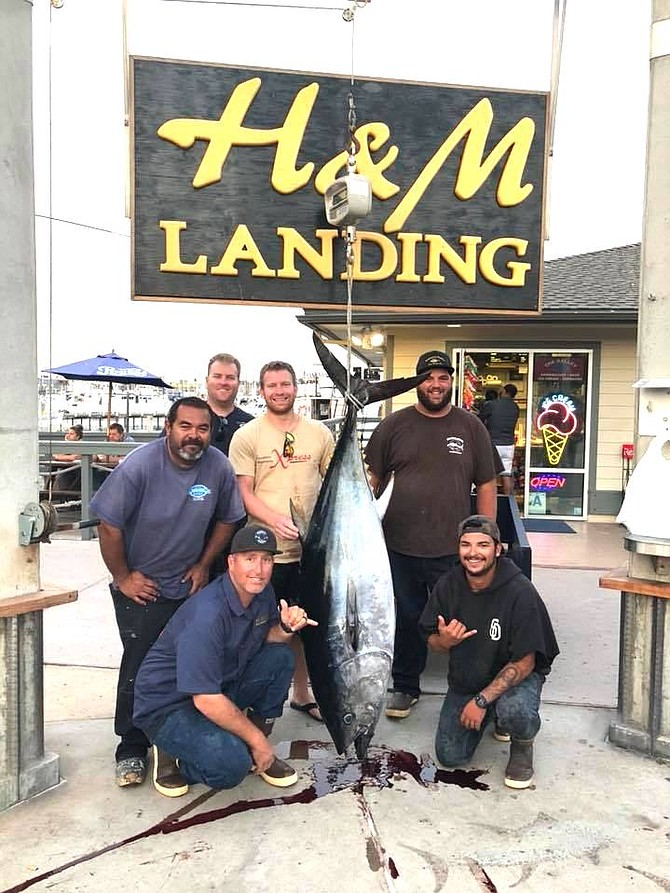 200-pound bluefin tuna caught aboard Grande full-day trip