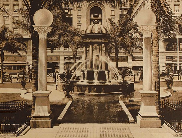 Horton Plaza fountain 1915