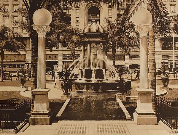 Horton Plaza fountain 1915