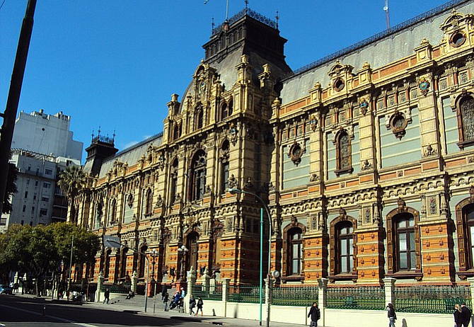 Neoclassical architecture in Buenos Aires includes the Palacio de Aguas Corrientes, built in the late 1800s.
