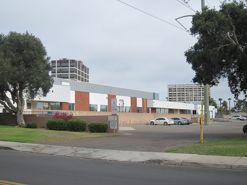 There are seven and ten story buildings nearby the proposed project area.