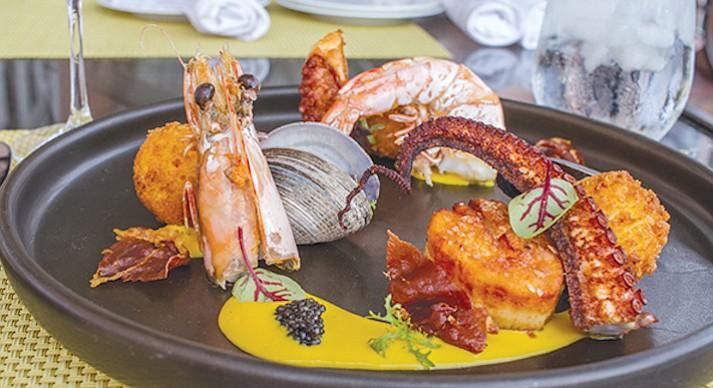 La Valencia Med Room — paella