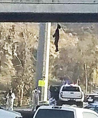 On Tuesday, July 31, authorities found a man hanging from the bridge Valle Bonito, on the heavily trafficked Bulevar 2000.