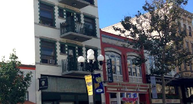 Lincoln Hotel, 5th Avenue, downtown. Studio $383 – 446.