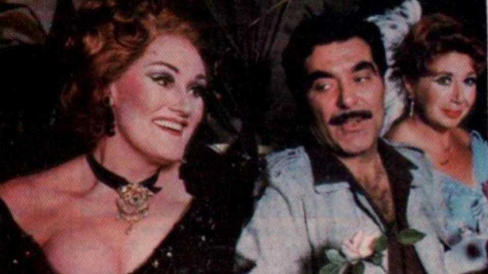 Joan Sutherland and Capobianco. He put on Die Fledermaus featuring Sills and Sutherland.