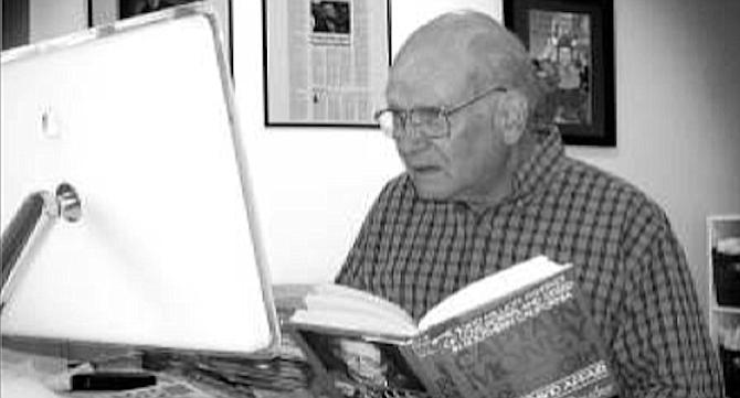 Don Bauder talking to Reader writer Matt Potter in 2013.