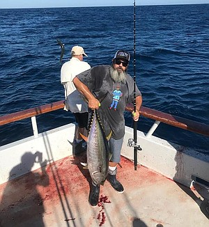 Kevin Abshear with yellowfin tuna caught aboard the Independence off Baja