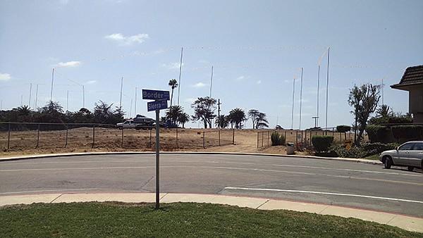 Border Lots, Del Mar