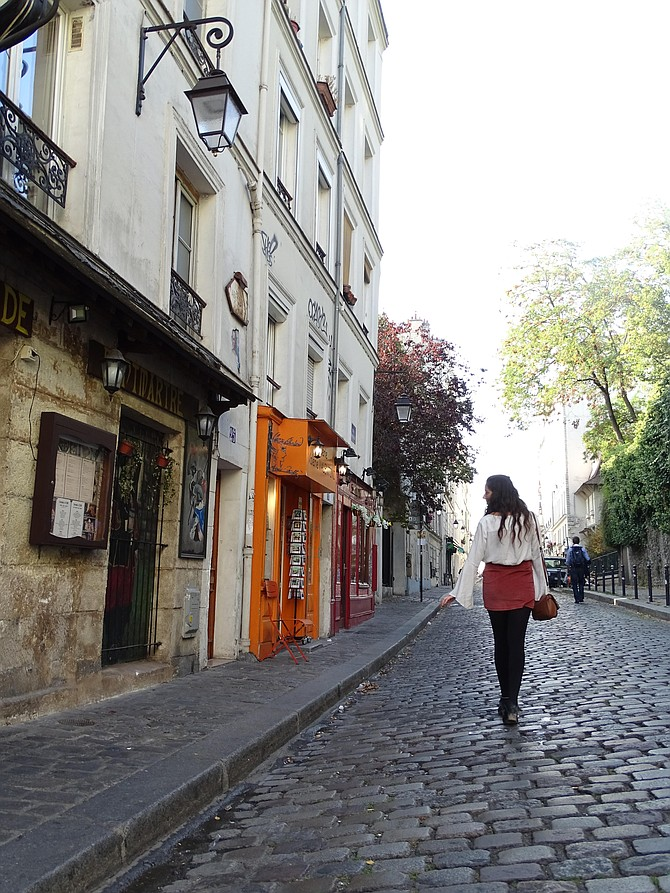Yael in the streets of Montmartre