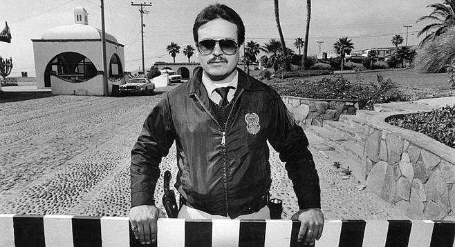 Security guard at San Antonio del Mar - Image by Craig Carlson